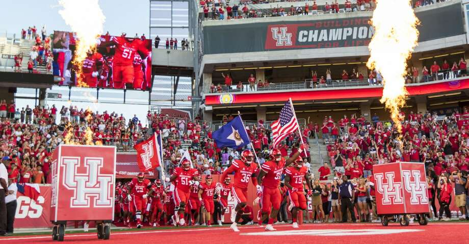 Browse through the photos to see a preview of UH's bowl game against Fresno State in Honolulu. Photo: Joe Buvid/For The Houston Chronicle