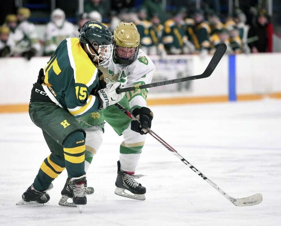 Action from Hamden vs. Notre Dame-West Haven at Bennett Rink in West Haven on December 23, 2017. Photo: Arnold Gold, Hearst Connecticut Media / New Haven Register
