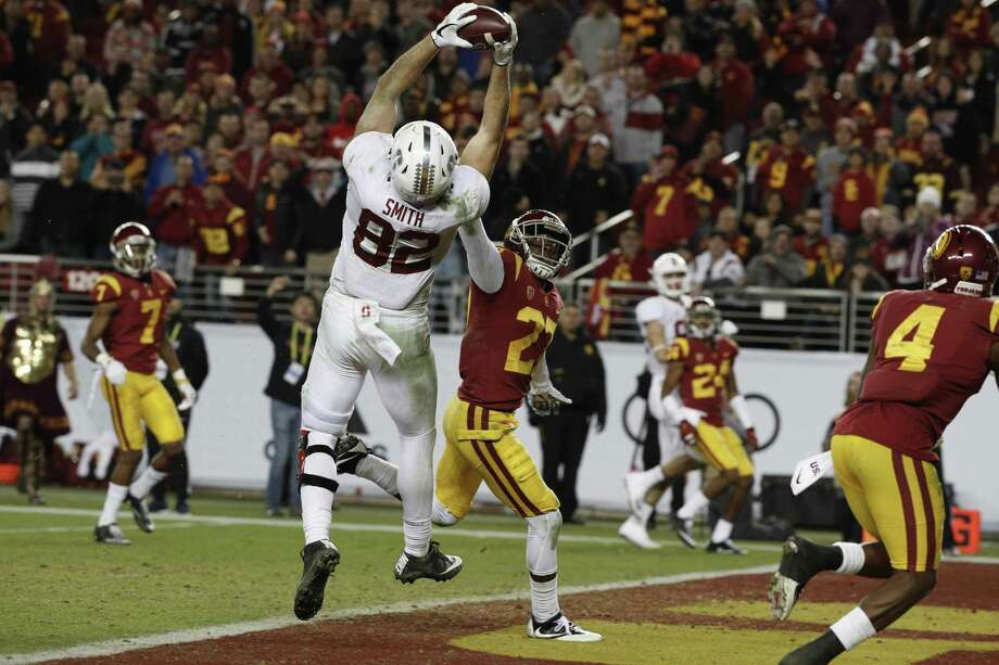Stanford's Kaden Smith, 82 pulls down a fourth quarter touchdown, as the Stanford Cardinal ended up losing to the USC Trojans 31-28  in the PAC-12 championship game at Levi's Stadium, in Santa Clara Calif. on Fri. December 1, 2017. Photo: Michael Macor / The Chronicle / ONLINE_YES