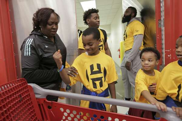 eb42a21ee202 James Harden and his mother enjoy hosting Christmas shopping spree ...