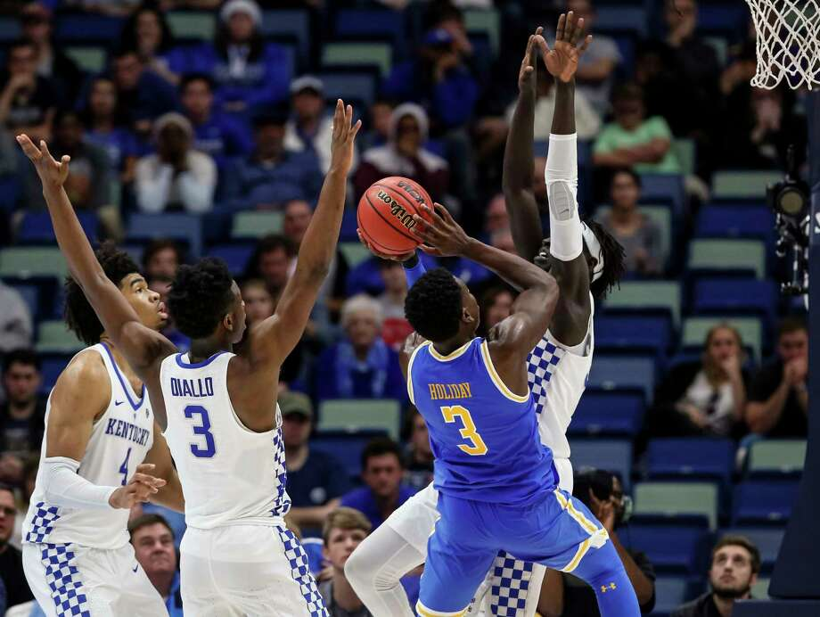 Kentucky falls to UCLA in CBS Sports Classic