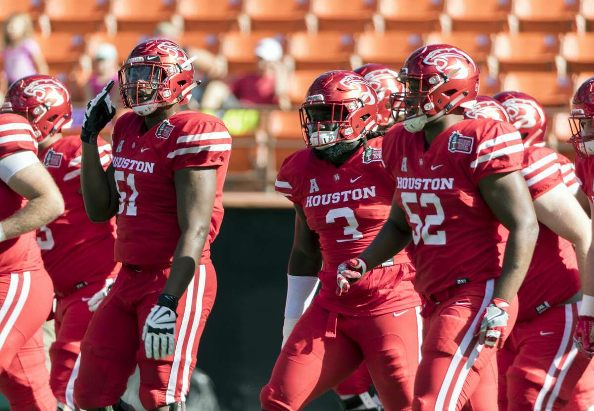 PHOTOS: Houston's TV ratings for 2017-18 college football bowl games Houston players participate in warmups before the Hawaii Bowl NCAA college football game against Fresno State, Sunday, Dec. 24, 2017, in Honolulu. (AP Photo/Eugene Tanner) Browse through the photos above to see which bowl games had the highest TV ratings in Houston.