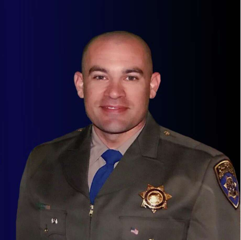 CHP officer killed in Christmas Eve freeway crash in Hayward - SFGate