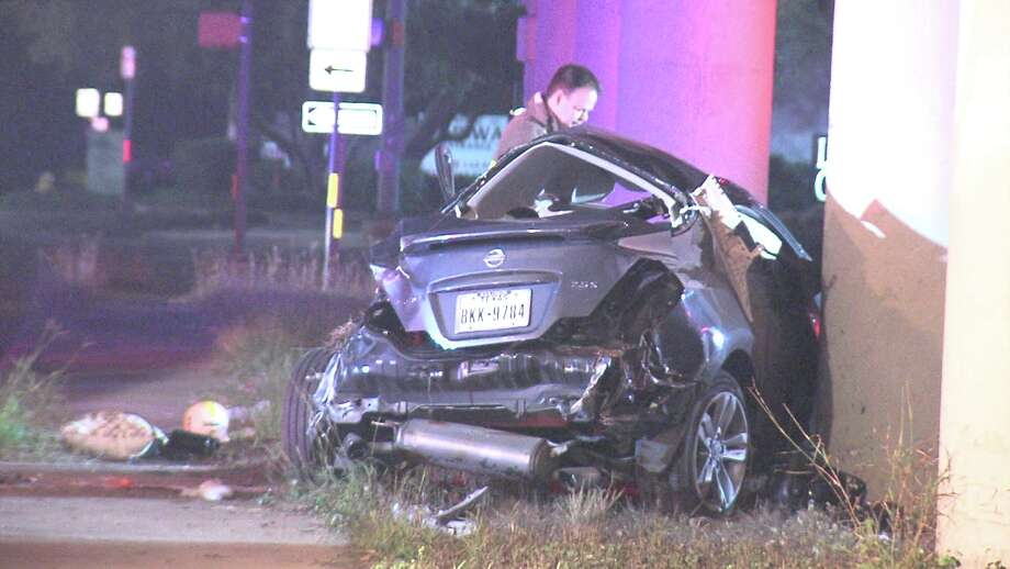 Police said the driver, who is in his 20s, drove off Loop 1604 around 1:20 a.m. and came to a rest on Stone Oak Parkway. Photo: Ken Branca