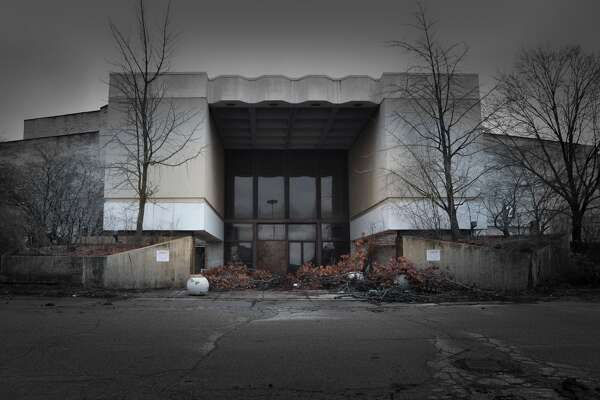 Perhaps most emblematic of the retail apocalypse are photos of dead malls.
