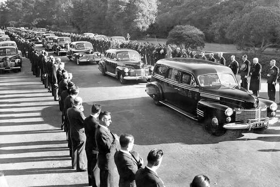 Jan. 16, 1943: The funeral of Golden Gate Park superintendent John McLaren passed through the San Francisco park, where thousands paid tribute.