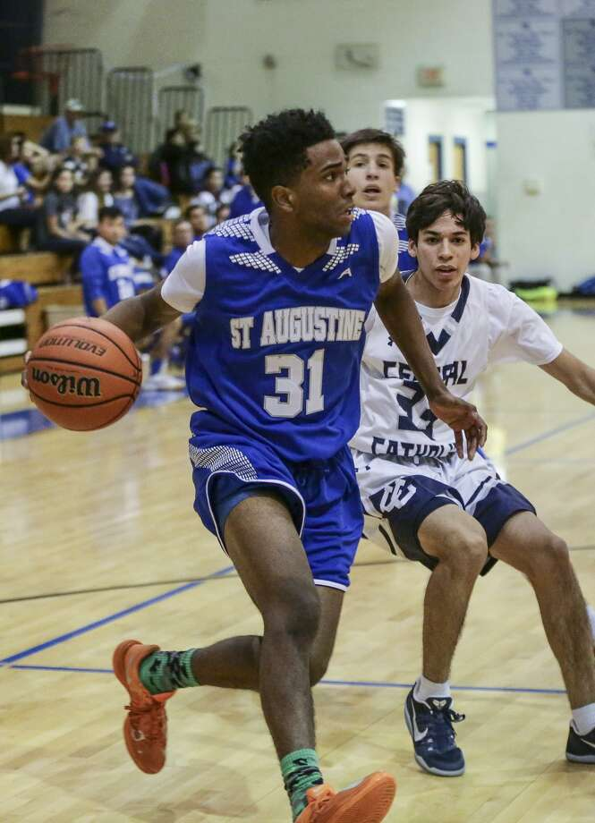 D'Andre Griffin averaged 26 points for St. Augustine at the Holy Cross Round Robin Tournament. Photo: Victor Strife /Laredo Morning Times File