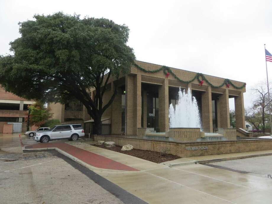 The Landa Building in New Braunfels is one of two Comal County buildings on which major renovations are planned in the next two years. Photo: Zeke MacCormack, San Antonio Express-News / San Antonio Express-News / San Antonio Express-News
