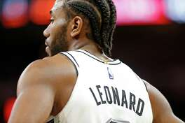 San Antonio Spurs forward Kawhi Leonard (2) pauses during first half action against the LA Clippers Monday Dec. 18, 2017 at the AT&T Center.