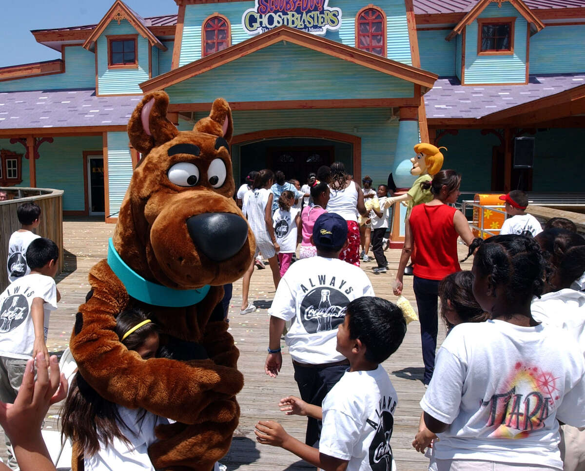 Scooby-Doo and Shaggy made an appearance at a media preview for Scooby-Doo Ghostblasters in 2002.