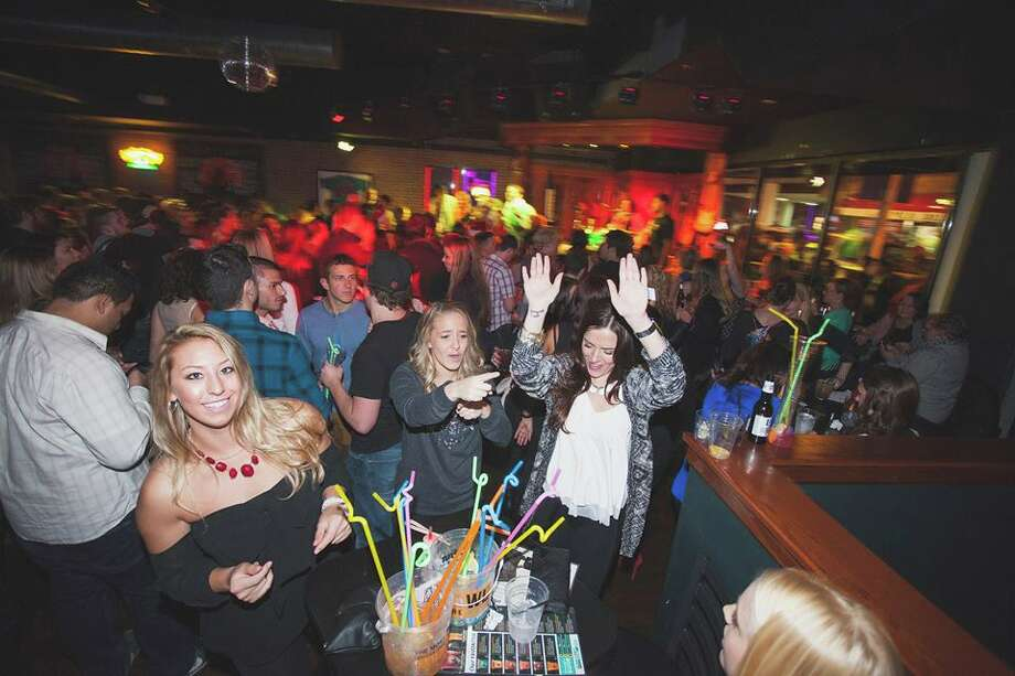 Dance the year away at NYE 2018! Hosted by Howl at the Moon Houston, with a variety of packages to chose from. Photo: Courtesy Photo / © Nathan Joseph Dodson   http://nathanJosephDodson.com