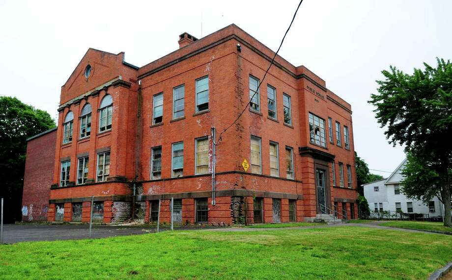 Brookfield Firm Selected To Demolish Ansonia S Peck School Connecticut Post