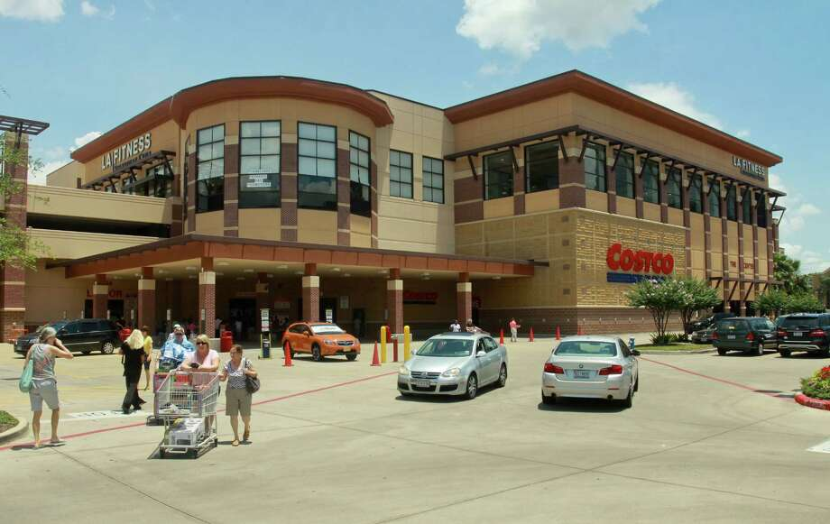 The Greenway Commons shopping center has changed hands. Photo: Gary Fountain, Freelance / Copyright 2013 Gary Fountain