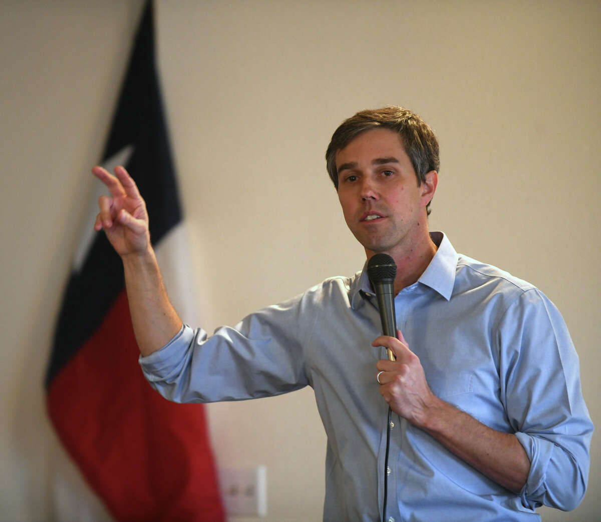 Beto O'Rourke, Democratic Party candidate for U.S. Senator from El Paso, answers questions from those attending a town hall meeting Wednesday at the Gertrude Bruce Community Center. About 100 people turned out for the event.