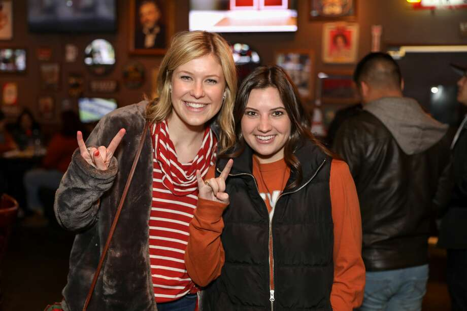 The UT Alumni for the SA Texas Exes Bowl Watch Party was held at Little Woodrow's on Wednesday night, December 27, 2017. Alumni and UT fans cheered as they watched Texas vs Missouri in Academy Sports + Outdoors Texas Bowl. Photo: Marco Garza