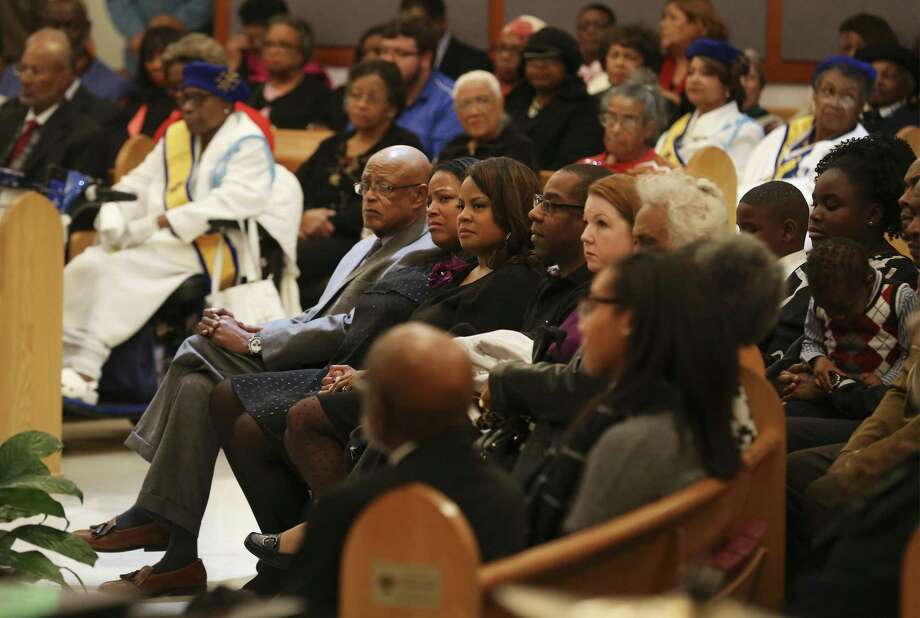 The family of Ruth Jones McClendon preside during a memorial services for the former state representative at Holy Redeemer Catholic Church on Wednesday, Dec. 27, 2017. McClendon passed away at the age of 74 on December 19 after a long battle with stage 4 lung cancer. Family, friends and fellow legislative colleagues gathered to pay respects for McClendon who served District 120 for two decades. Funeral services will be held on Thursday. (Kin Man Hui/San Antonio Express-News) Photo: Kin Man Hui, Staff / San Antonio Express-News / ©2017 San Antonio Express-News
