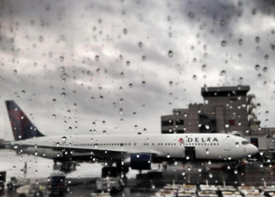 Job loss, pregnancy, injury? How to keep airline elite status