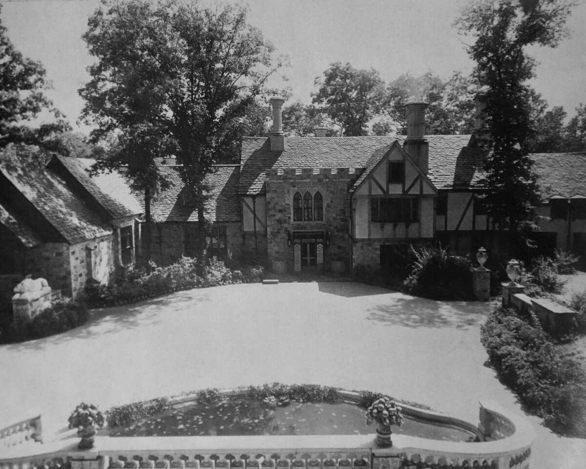 The main entrance to the Bendel Mansion when it was used as a personal residence to fashion designer and department store owner Henri Bendel, who lived at the estate from when it was built in the late 1920s until his death in 1936. The grounds were purchased by the friends of Stamford Museum in 1955.