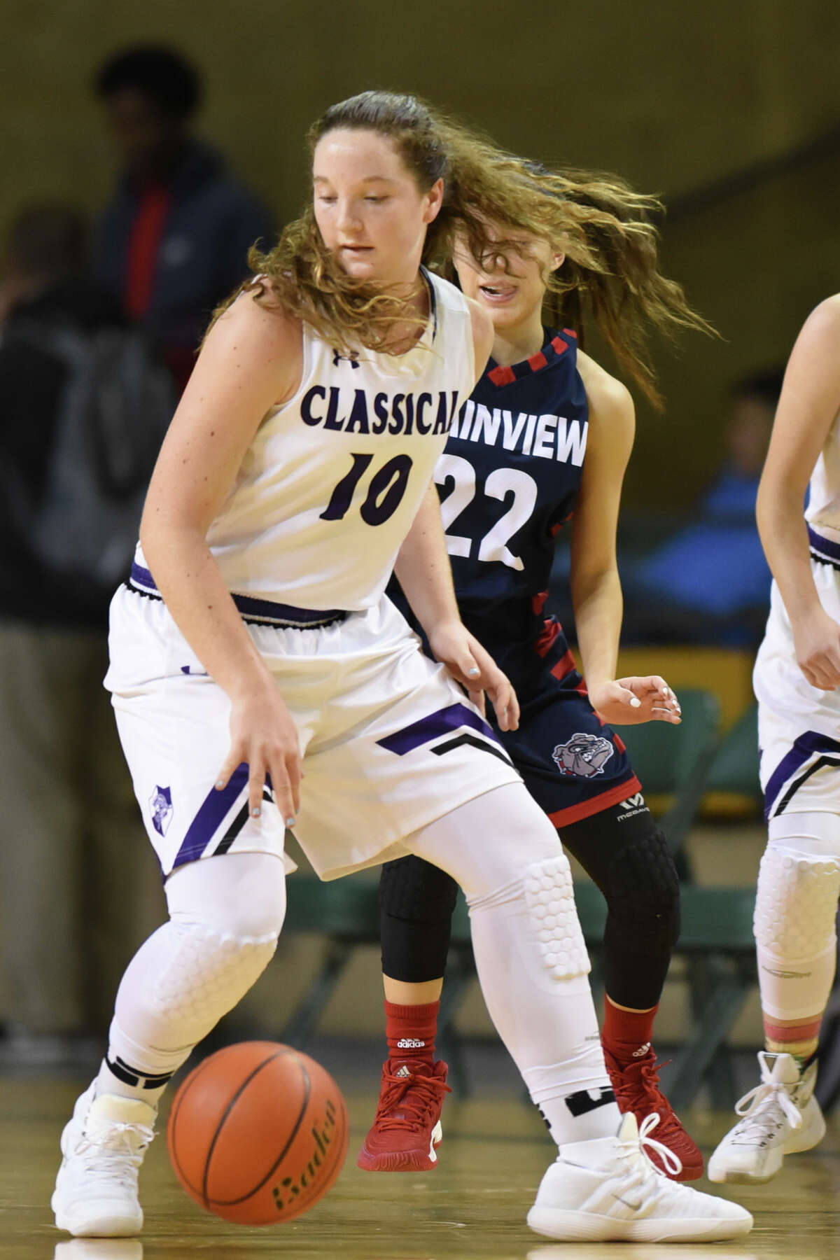 Midland Classical's Leia Beattie (10) dribbles against Plainview in the Byron Johnson Holiday Classic Dec. 28, 2017 at Chaparral Center. James Durbin/Reporter-Telegram