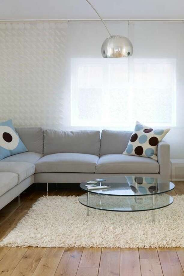 """3) Circle Patterns """"Hard geometrics are going to be huge, and I think circles are the new triangle,"""" says Genevieve Gorder, a designer on the upcoming Trading Spaces reboot and spokesperson for Air Wick limited edition seasonal scents. You can start small with accent pillows or dive in with graphic wallpaper.  Photo: Getty Images"""
