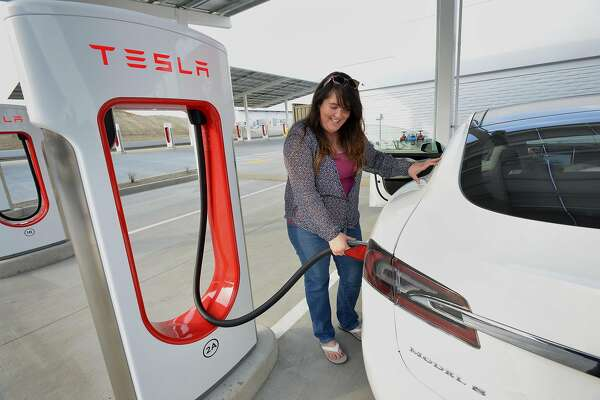 Tesla's fancy new I-5 rest stop is part gas station, part airport lounge