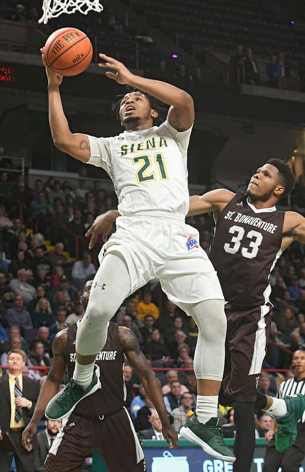 Ahsante Shivers is averaging 9.8 points per game after scoring a total of 11 in Siena's past three games. (Lori Van Buren/Times Union)