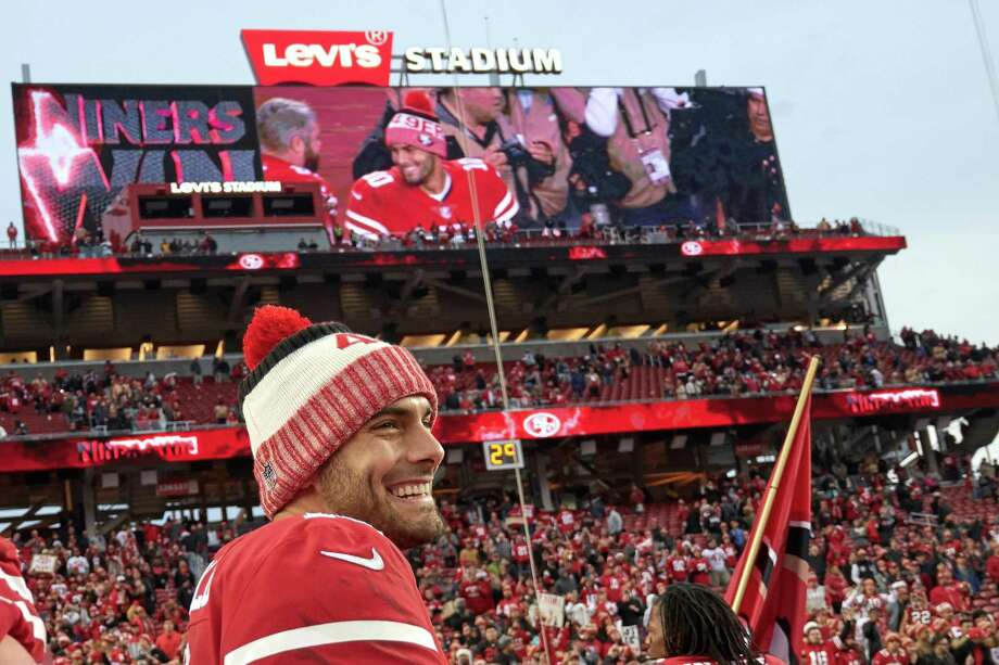 "49ers QB Jimmy Garoppolo is ""a really solid genuine individual with a real positive attitude,"" says QB coach Rich Scangarello. Photo: Icon Sportswire / Icon Sportswire / Icon Sportswire Via Getty Images / ©Icon Sportswire (A Division of XML Team Solutions) All Rights Reserved"