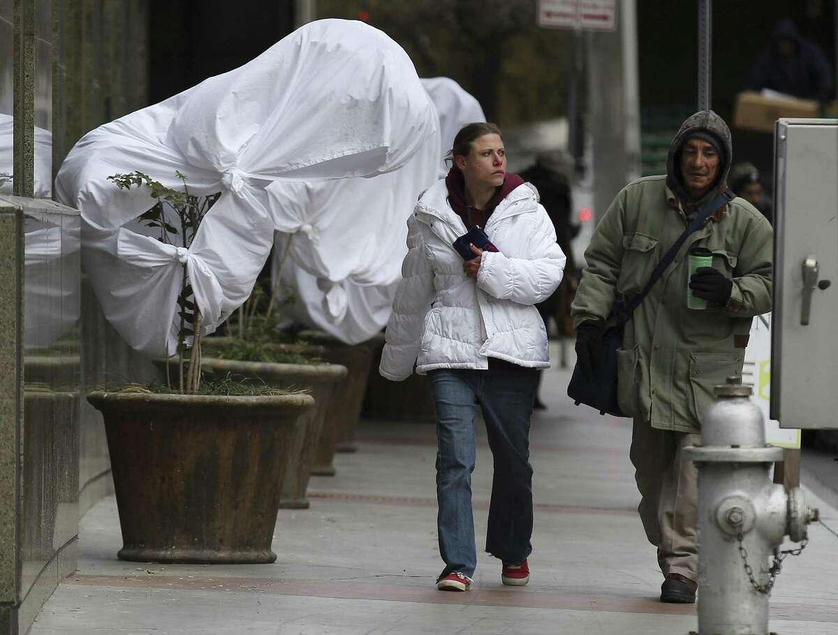 A freeze is expected to descend on San Antonio late New Year's Eve and early New Year's Day. Temperatures are expected to plunge to a low of around 29 degrees early Monday, the National Weather Service said. Early Tuesday, the projected low is around 26 degrees.