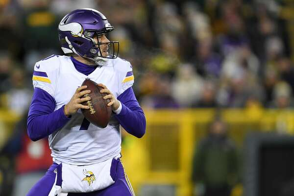 GREEN BAY, WI - DECEMBER 23:  Case Keenum #7 of the Minnesota Vikings drops back to pass during the second half against the Green Bay Packers at Lambeau Field on December 23, 2017 in Green Bay, Wisconsin.  The Vikings won the game 16-0. (Photo by Stacy Revere/Getty Images)