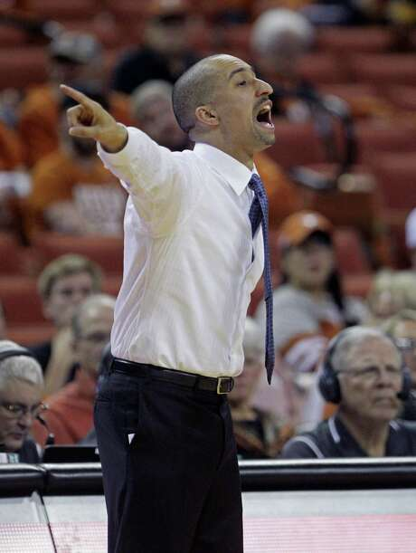 Shaka Smart and Texas are feeling confident as Kansas comes to town, but will that confidence translate into a victory? Photo: Michael Thomas /Associated Press / FR65778 AP