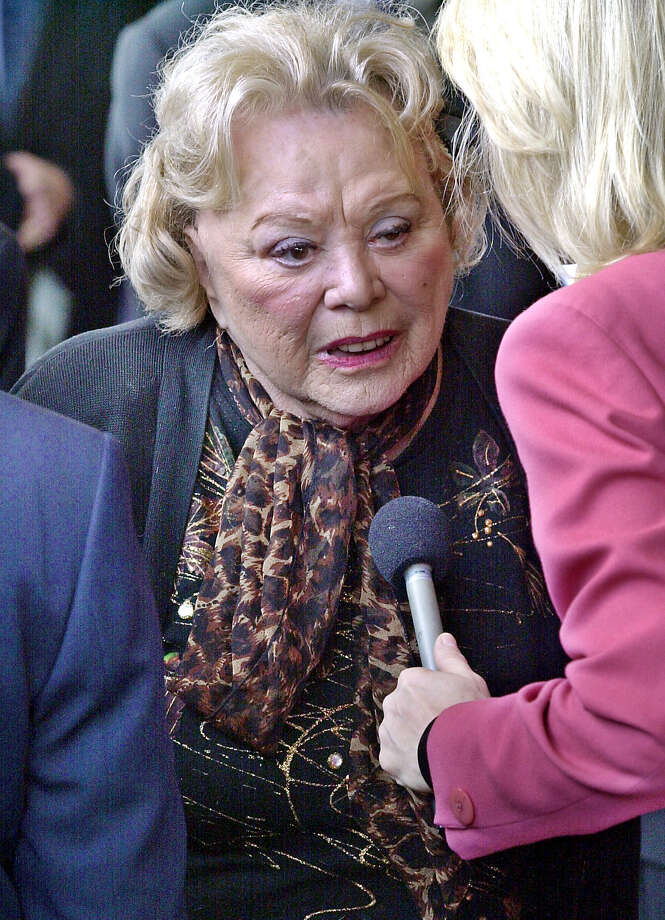 "FILE- In this April 1, 2002, file photo, actress and comedian Rose Marie talks to the press as she arrives for a ceremony honoring comedian Milton Berle at Hillside Memorial Park and Mortuary in Los Angeles. Family spokesman Harlan Boll said Marie, the wisecracking Sally Rogers of ""The Dick Van Dyke Show,"" died Thursday, Dec. 28, 2017. She was 94. (AP Photo/Nick Ut, File) Photo: Nick Ut / AP2002"