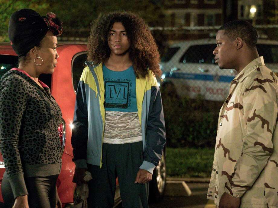 """Sonja Sohn as Laverne, Jahking Guillory as Coogie and Jason Mitchell as Brandon in """"The Chi."""" Photo: Matt Dinerstein, Showtime / Copyright: 2017 Showtime"""