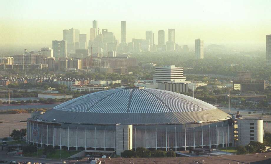 Sept. 1999: Aerial view of the Astrodome looking northeast toward downtown Houston. Photo: Richard Carson, Staff / Houston Chronicle
