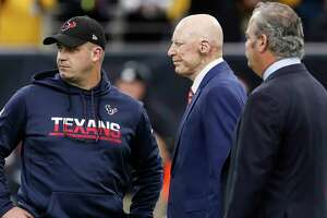 Fourth-year coach Bill O'Brien, left, who is 31-32 with the Texans, says he won't quit if owner Bob McNair, center, doesn't extend his contract past 2018.