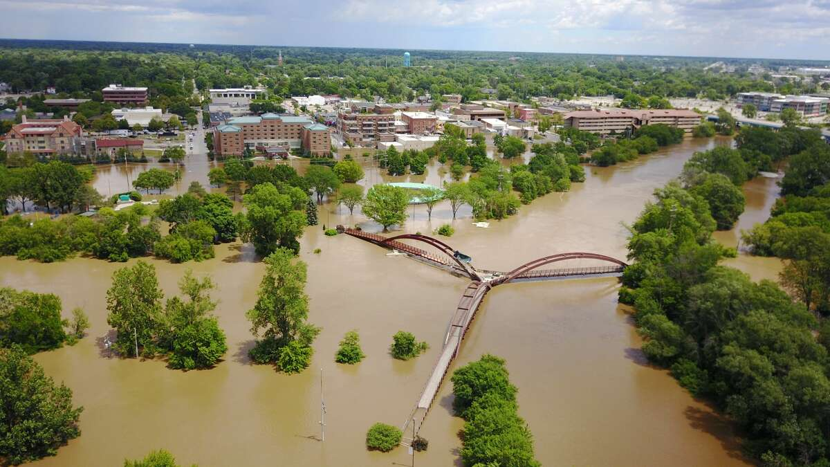 The Tittabawassee River reaches 32.15 feet in Midland on Saturday. (Micah Linton/for the Midland Daily News)