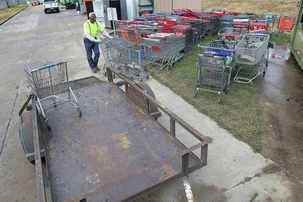 Stolen, abandoned shopping carts draw ire of Houston leaders ...