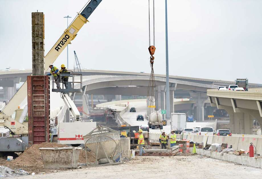 A SH 6/FM 1960 bridge is being built over US 290 and is expected to be completed in late 2019. Scroll ahead to see more images of U.S. 290's construction.  Photo: Wilf Thorne / © 2017 Houston Chronicle