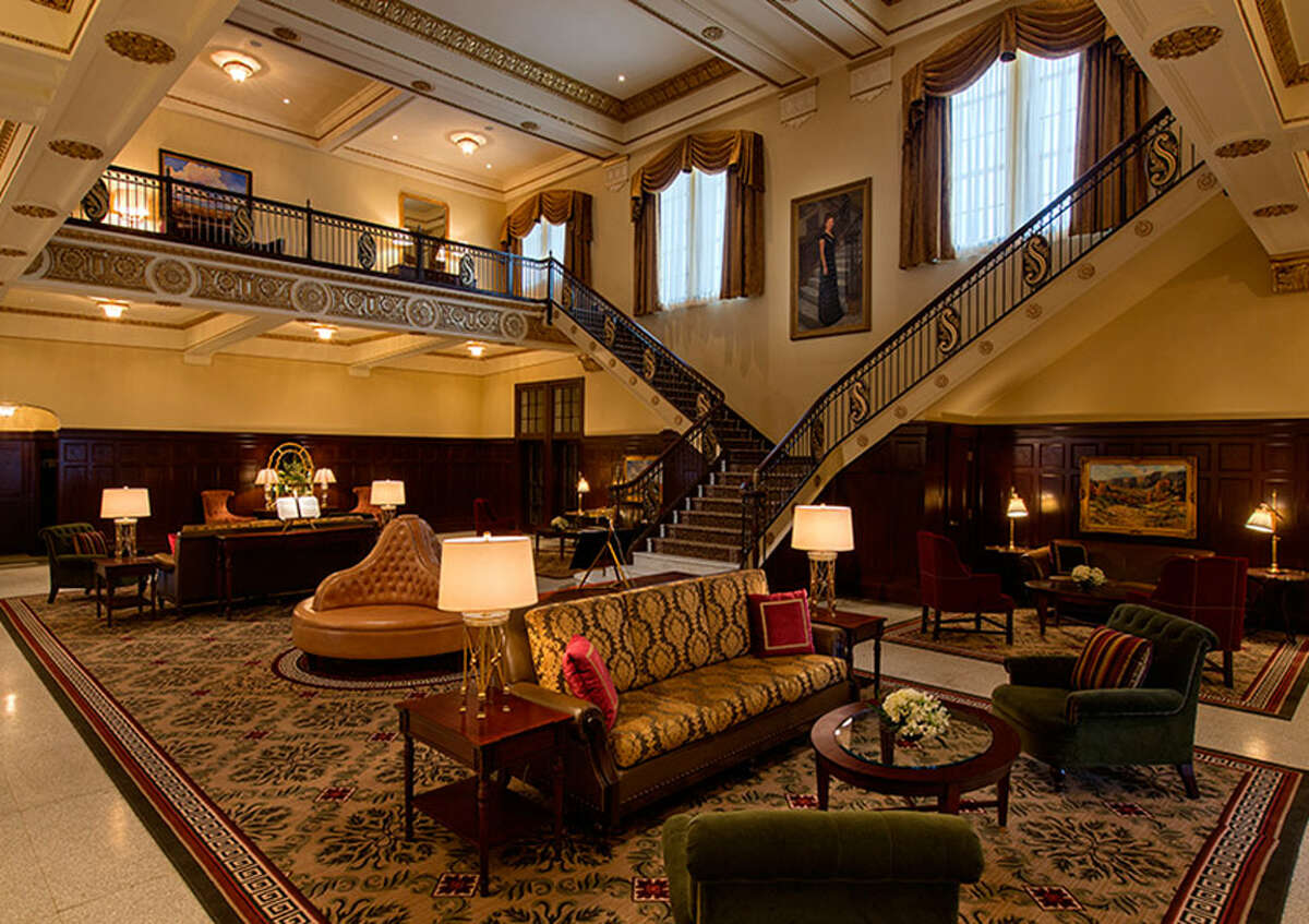 On Thursday, Hotel Settles, which is 87 years old, celebrated its fifth anniversary of operations after a $30 million refurbishing.