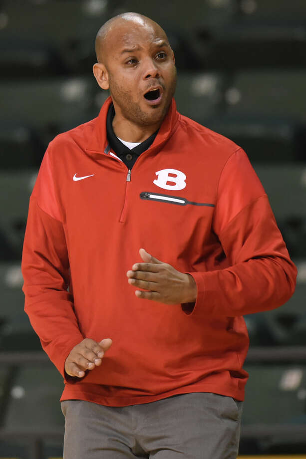 Belton boys basketball head coach Trovocie Jackson reacts during a game against Midland High in the Byron Johnson Holiday Classic Dec. 28, 2017 at Chaparral Center.  James Durbin/Reporter-Telegram Photo: James Durbin
