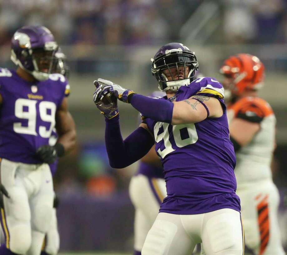 Minnesota Vikings defensive end Brian Robison (96) celebrates his sack of Cincinnati Bengals quarterback Andy Dalton for a six yard loss on Sunday, Dec. 17, 2017 at U.S. Bank Stadium in Minneapolis, Minn. (Jeff Wheeler/Minneapolis Star Tribune/TNS) Photo: Jeff Wheeler, MBR / Minneapolis Star Tribune