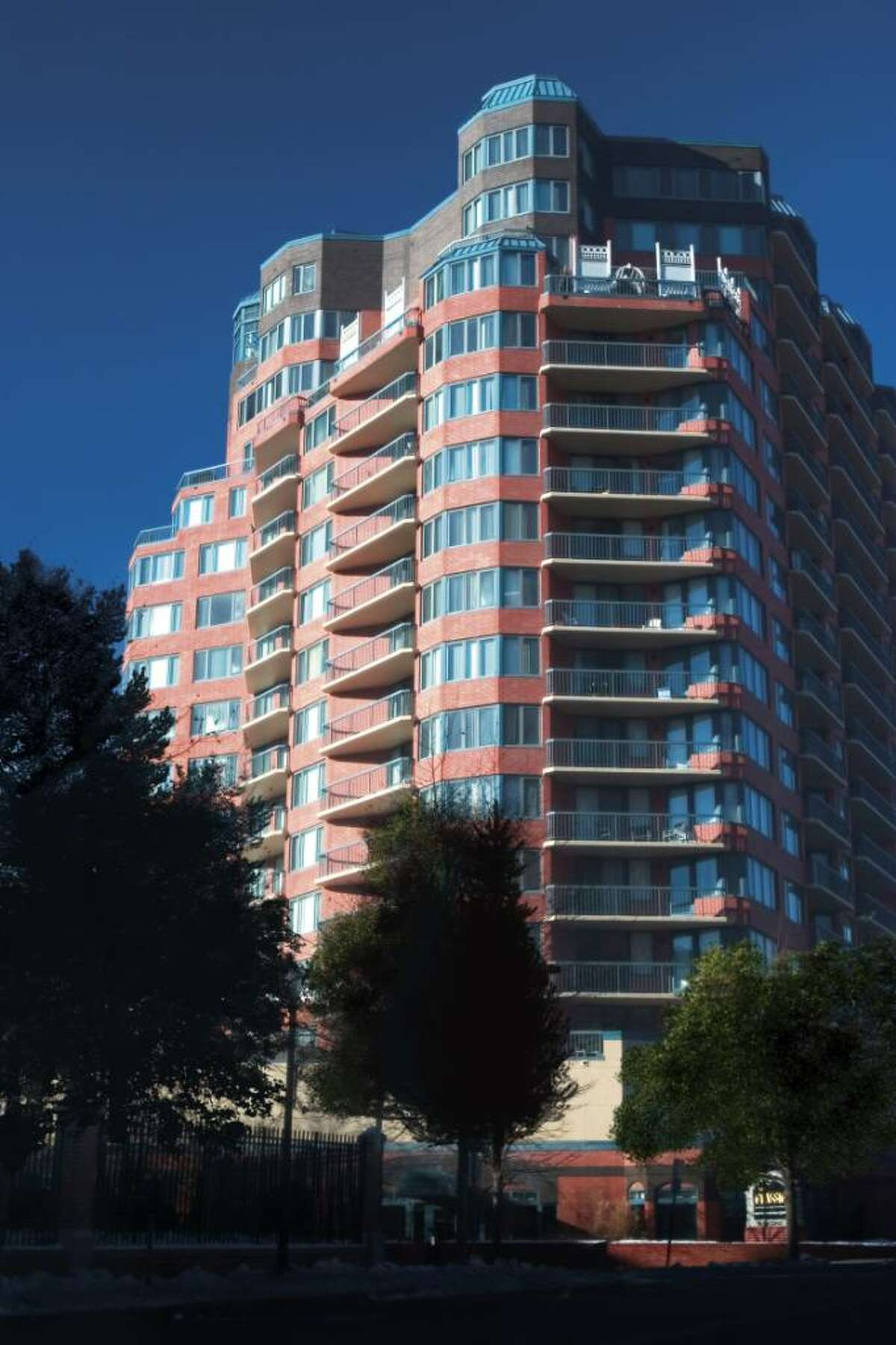 Accelerated Marketing Partners' auction of 28 luxury condominium residences at The Classic Condominiums at 25 Forest St. in Stamford, was a speedy sellout.