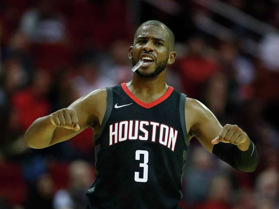 Rockets guard Chris Paul recently became eligible to sign a contract extension, but Paul indicated he is no rush to sign and may wait until after the season to begin contract talks. Photo: Karen Warren, Staff / © 2017 Houston Chronicle