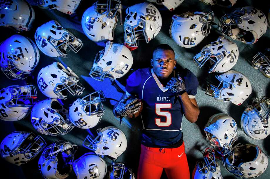 Manvel High School wide receiver Jalen Preston is the All-Greater Houston offensive player of the year Thursday, Dec. 28, 2017 in Manvel. ( Michael Ciaglo / Houston Chronicle) Photo: Michael Ciaglo, Houston Chronicle / Michael Ciaglo