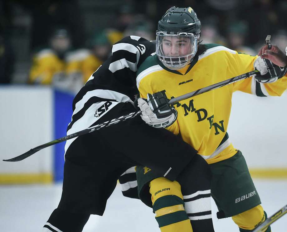 Hamden defeats Xavier, 7-4, Saturday, Dec. 30, 2017, at Astorino Rink in Hamden. Photo: Catherine Avalone, Hearst Connecticut Media / New Haven Register