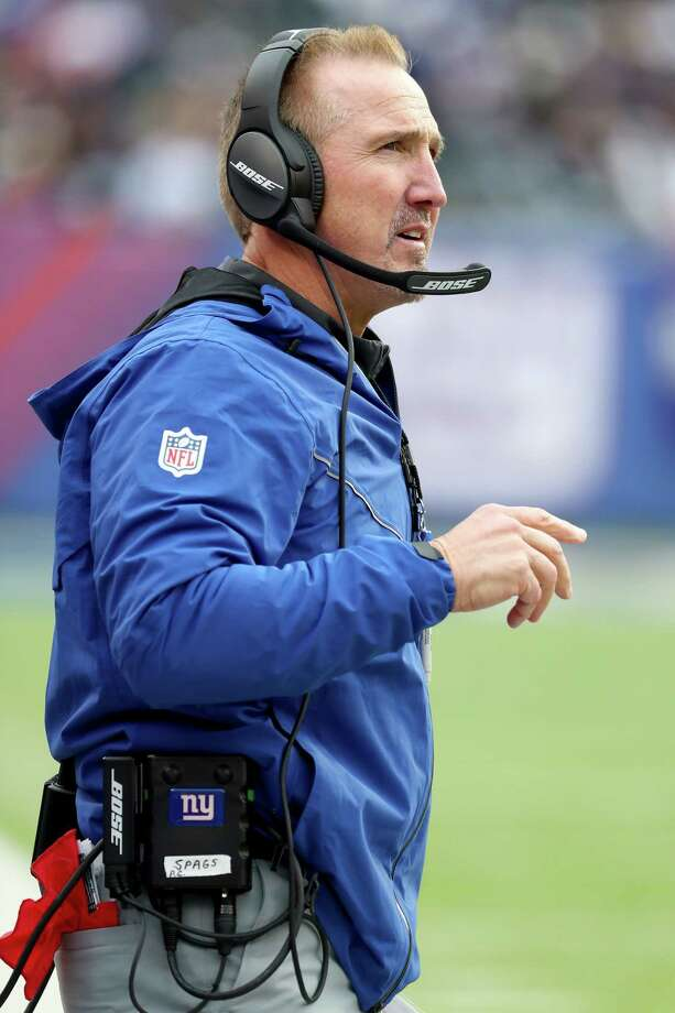 EAST RUTHERFORD, NJ - DECEMBER 17:  Interim head coach Steve Spagnuolo of the New York Giants looks on against the Philadelphia Eagles during the first half in the game at MetLife Stadium on December 17, 2017 in East Rutherford, New Jersey.  (Photo by Al Bello/Getty Images) ORG XMIT: 700070814 Photo: Al Bello / 2017 Getty Images