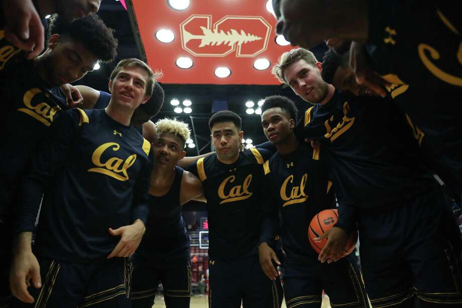 Cal basketball team huddles during a California vs Stanford NCAA Men's basketball Pac-12 basketball game on Saturday, December 30, 2017 at Maples Pavilion in Stanford, Calif. Photo: Al Sermeno / Al Sermeno