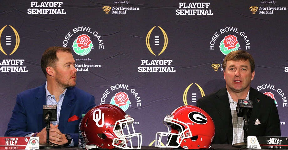 Georgia head coach Kirby Smart, right, and Oklahoma head coach Lincoln Riley during a news conference on Sunday, Dec. 31, 2017, in Los Angeles. (Curtis Compton/Atlanta Journal-Constitution/TNS) Photo: Curtis Compton/TNS