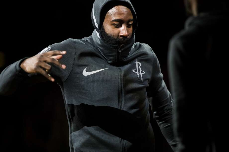 Houston Rockets guard James Harden (13) greets his teammates as he enters the court before the start of the game against the Los Angeles Lakers, Sunday, Dec. 31, 2017, at the Toyota Center in Houston. ( Marie D. De Jesus / Houston Chronicle ) Photo: Marie D. De Jesus/Houston Chronicle