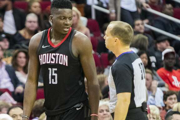 Houston Rockets center Clint Capela (15) gets benched after his sixth personal foul during a Rockets game against the Lakers, Sunday, Dec. 31, 2017, in Houston.  The Rockets won 148-142 on the second overtime. ( Marie D. De Jesus / Houston Chronicle )