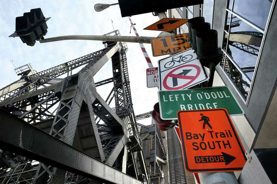 Traffic on Third Street via the Lefty O'Doul Bridge has been rerouted to the Fourth Street Bridge, causing traffic snarls. Photo: Liz Hafalia / Liz Hafalia / The Chronicle / online_yes